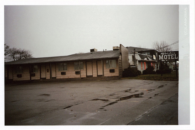 A spooky motel we spend the night. Spoo-KY. lomo.