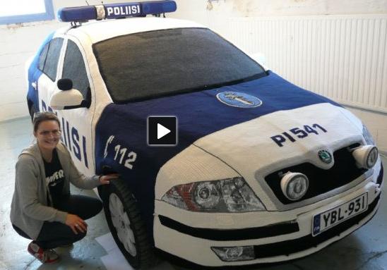 Amigurumi-police-car! kawaii? photo is a screencapture from yle.areena.fi